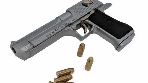 Miniatura de Pistola Desert Eagle Cromada 1:2 Shell Ejecting